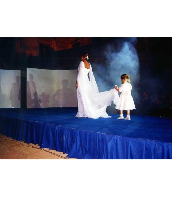 fotografie immagini Bambini vestiti da cerimonia con damigella